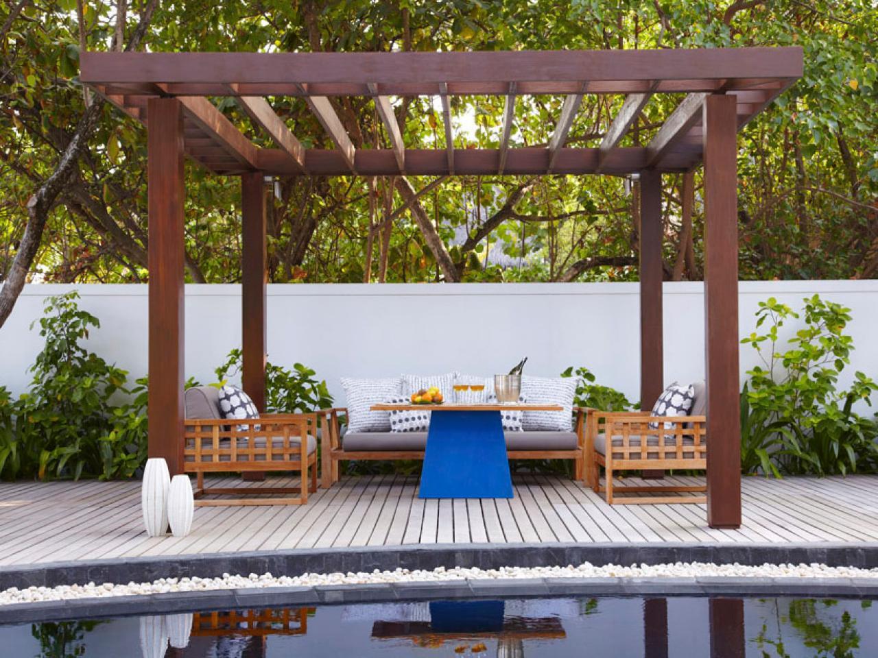 ci_viceroy-hotels-maldives-pergola-poolside_s4x3-jpg-rend-hgtvcom-1280-960